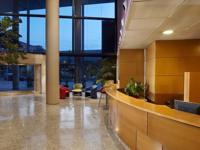 Recepción hotel porta de gallecs mollet del vallés
