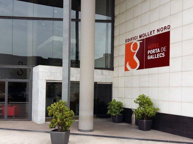 Entrada al edifcio hotel porta de gallecs mollet del vallés