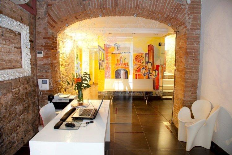 Recepción apartaments ciutat vella barcelona